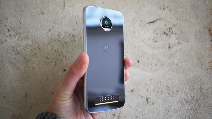 Обзор moto z play c android 7.0: модульный долгожитель